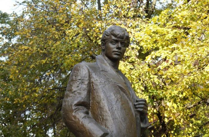 Памятник Есенину, Воронеж