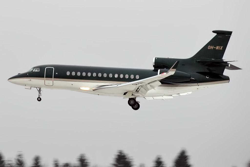 Черный самолет